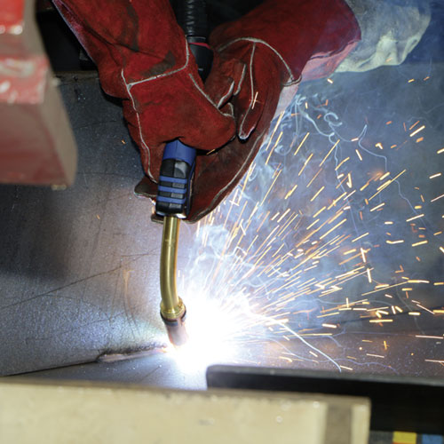 Welding torch MB EVO PRO 501 from ABICOR BINZEL in action
